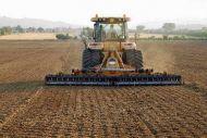 Αγρότες: Ολες οι αλλαγές σε εισφορές – συντάξεις