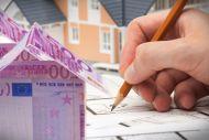 Πρόσθετος φόρος για όσους νοικιάζουν ακίνητα το 2017